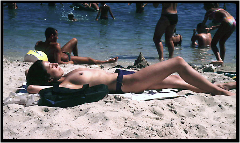 French riviera topless