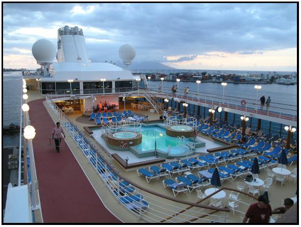 Pool Deck Tahitian Princess 2007